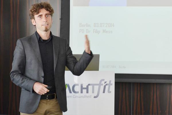 Dr. Filip Mess schildert die Wichtigkeit von BGM