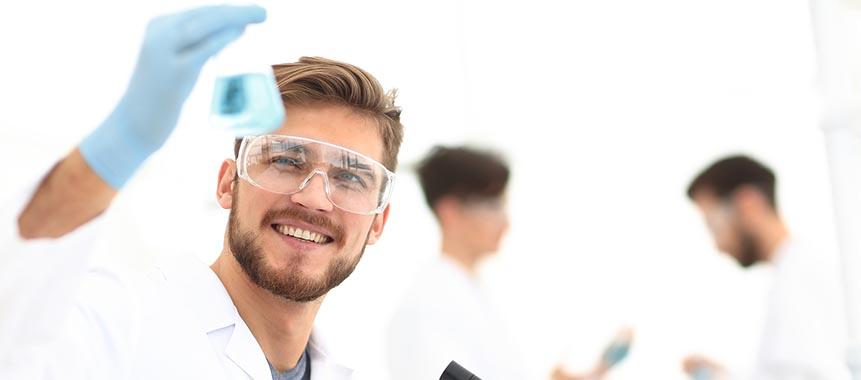 Chemie-Mitarbeiter