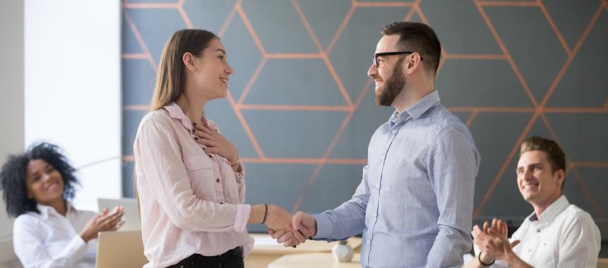 psychische Belastung am Arbeitsplatz durch offene Mitarbeitergespräche vorbeugen