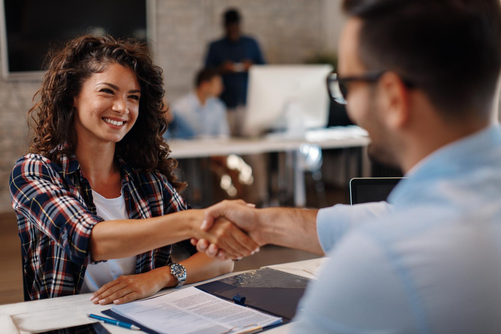 Kommunikation mit Führungskräften ist wichtig, um die Fluktuationsrate zu senken