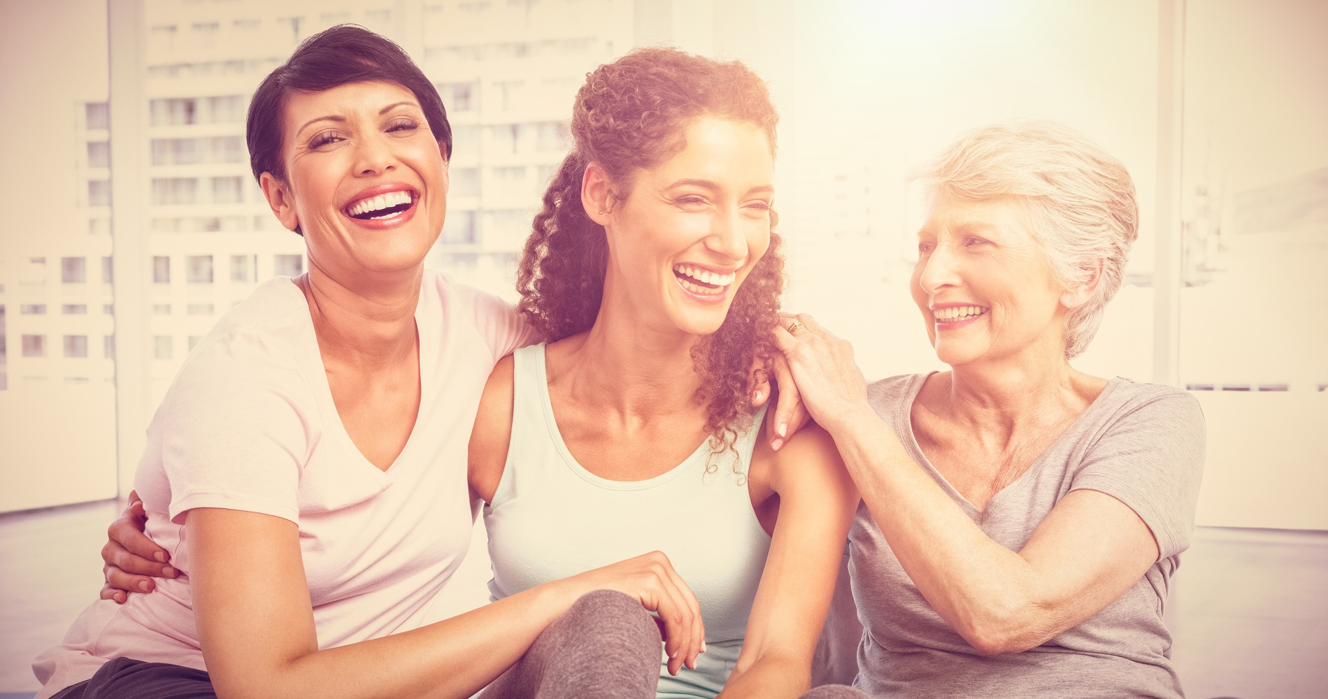 Bild zeigt Frauen in Sportkleidung, die Betriebliches Gesundheitsmanagement ausüben, was auch zur Personalgewinnung in Verkehrsunternehmen beiträgt